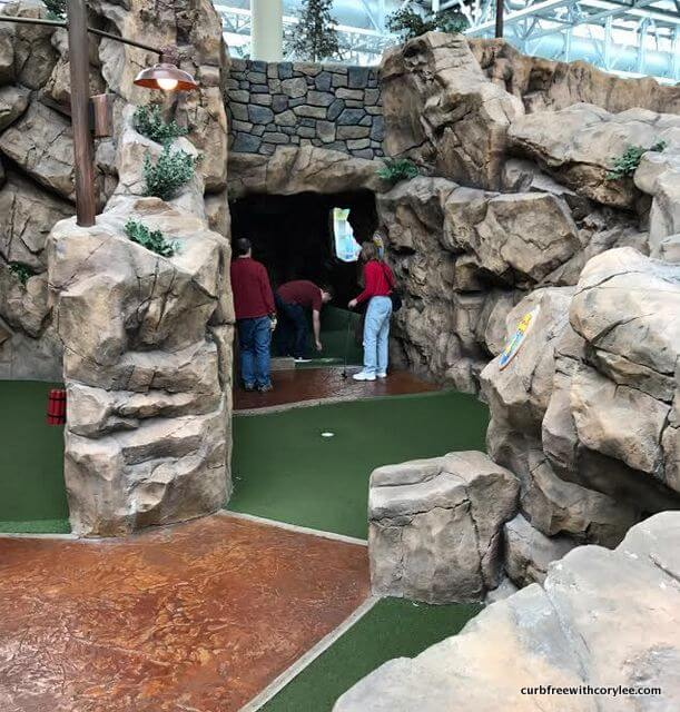 wheelchair accessible things to do mall of america